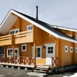 บ้านไม้สองชั้นตกแต่งสไตล์คันทรี สวยงามเรียบง่าย อบอุ่นด้วยงานไม้ทั้งหลัง