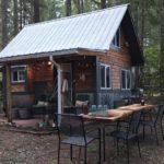 แบบบ้านกระท่อมท้ายสวน อบอุ่นด้วยงานไม้ ในขนาดกะทัดรัด พื้นที่แคบแต่อยู่ได้จริง