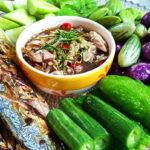 """ห่วงใยสุขภาพ ด้วยอาหารรสเลิศ """"ยำน้ำบูดูกับปลาทูย่าง"""" หอมๆ หุ่นสวย ช่วยพิชิตความอ้วน"""