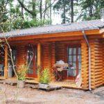 สร้างบ้านไม้ซุงกลางสวนป่า ดูคลาสสิค อบอุ่น เพื่อการพักผ่อนของชีวิตอย่างแท้จริง