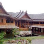 แบบบ้านไม้ล้านนาไทยประยุกต์ สไตล์รีสอร์ท ยกสูง มีใต้ถุนบ้านกว้าง ให้กลิ่นอายของความดั่งเดิมมิเสื่อมคลาย