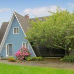 บ้านสวนตากอากาศ รูปทรงสามเหลี่ยมแปลกตา ไอเดียเบื้องต้น สำหรับปรับใช้ออกแบบบ้านพักเชิงรีสอร์ท