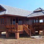 แบบบ้านไม้ทรงไทยประยุกต์ยกพื้นสูง 2 ห้องนอน พร้อมศาลานั่งเล่นสุดคลาสสิค