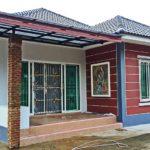 บ้านชั้นเดียวแนวร่วมสมัย หลังคาทรงปั้นหยา พร้อมความสวยงามจากสีสันที่ลงตัวและเรียบง่าย