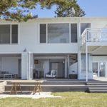 แบบบ้านสองชั้นสไตล์มินิมอล ดีไซน์ให้มีความโปร่งโล่ง รับลมเข้าการพักผ่อนภายในบ้าน