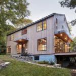 บ้านบนเนินเขาแบบวิลล่า วัสดุจากไม้ในสไตล์คันทรีประยุกต์ พร้อมฟังก์ชันครบครัน รองรับครอบครัวขนาดใหญ่