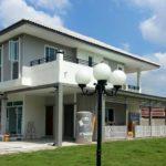 บ้านสองชั้นแนวร่วมสมัย เรียบง่าย แต่แฝงไปด้วยเสน่ห์ พร้อมรูปลักษณ์ทันสมัย น่าอยู่