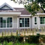 บ้านสวนเรียบง่าย สีสันอ่อนโยนสบายตา ก่อสร้างได้ในราคา 790,000 บาท