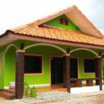 บ้านสไตล์ชนบทโทนสีเขียว หลังคาทรงมนิลา งดงามด้วยเส้นสายที่อ่อนช้อย