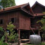 """บ้านไม้ทรงไทย """"เรือนโคราช"""" สถาปัตยกรรมสุดคลาสสิค ที่สะท้อนถึงวัฒนธรรมท้องถิ่น"""