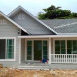 แบบบ้านชั้นเดียวโทนสีเทา พร้อมหลังคาหน้าจั่ว 2 ห้องนอน 1 ห้องน้ำ งบก่อสร้าง 740,000 บาท