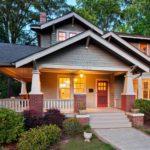 บ้านสองชั้นสไตล์คราฟต์แมน พร้อมการตกแต่งภายในด้วยโทนสีขาวเรียบหรู เพิ่มความน่าอยู่ให้กับบ้าน