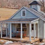 บ้านฟาร์มคอจเทจ ดีไซน์พร้อมห้องใต้หลังคา จัดสรรฟังก์ชันได้ครบครันแม้พื้นที่แคบ