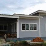 บ้านชั้นเดียวสไตล์โมเดิร์น โทนสีเทาสุดฮิต 3 ห้องนอน 2 ห้องน้ำ พื้นที่ใช้สอย 100 ตรม.