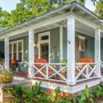 บ้านไม้ชั้นเดียวพร้อมระเบียงสวย ดีไซน์เพื่อการพักผ่อนที่แสนอ่อนโยน กลางพื้นที่ธรรมชาติสุดรื่นรมย์
