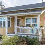 บ้านชั้นเดียว สไตล์คอทเทจ ตกแต่งด้วยโทนสีอบอุ่น เรียบง่าย เหมาะสำหรับครอบครัวขนาดเล็ก