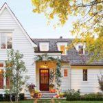 บ้านสองชั้นสไตล์คอทเทจ เปี่ยมไปด้วยบรรยากาศที่น่ารักและอบอุ่น พร้อมฟังก์ชันการใช้งานครบครัน
