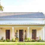 แบบบ้านสองชั้นสไตล์คอทเทจ โอบล้อมด้วยธรรมชาติ เหมาะกับการพักอาศัยสำหรับครอบครัวแสนอบอุ่น