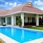 แบบบ้านชั้นเดียว สไตล์ร่วมสมัย พร้อมสระว่ายน้ำส่วนตัว และสวนสีเขียวเพื่อการพักผ่อน