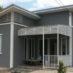 บ้านชั้นเดียวสไตล์โมเดิร์น สีเทามาตรฐาน 2 ห้องนอน 1 ห้องน้ำ สร้างได้ง่ายด้วยงบไม่เกิน 400,000 บาท