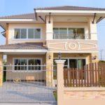 บ้านสองชั้น สไตล์คอนเทมโพรารี 4 ห้องนอน 3 ห้องน้ำ พร้อมสวนสีเขียวธรรมชาติ บนพื้นที่ขนาด 200 ตารางเมตร