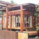 บ้านไม้สักยกพื้น สไตล์โมเดิร์น-คอนเทมโพรารี ผสมผสานความเรียบง่ายทันสมัย เข้ากับกลิ่นอายที่คุ้นเคย