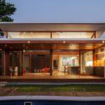 บ้านสวนแนวโมเดิร์น เน้นพื้นที่พักผ่อนและบรรยากาศโปร่งสบาย ออกแบบดีไซน์ด้วยแนวคิดรักษ์โลก