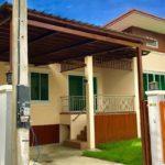 บ้านชั้นเดียว สไตล์คอนเทมโพรารี 3 ห้องนอน 2 ห้องน้ำ อบอุ่น เรียบง่าย พร้อมสวนหน้าบ้าน