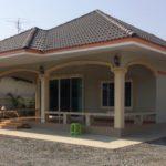 บ้านชั้นเดียวตกแต่งร่วมสมัย 2 ห้องนอน 2 ห้องน้ำ พื้นที่ใช้สอย 120 ตร.ม. งบประมาณ 780,000 บาท (ก่อสร้างที่ จ.กาญจนบุรี)