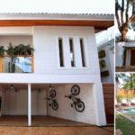 บ้านพักตากอากาศ สไตล์คอนเทมโพรารี แต่งแต้มด้วยโทนสีขาว รับกับเฟอร์นิเจอร์ไม้ได้อย่างลงตัว
