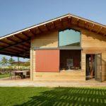 บ้านตากอากาศจากฮาวาย เพดานสูงโปร่งลมพัดเย็นสบาย พร้อมบรรยากาศพักผ่อนที่เป็นธรรมชาติ