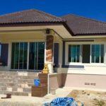 บ้านยกพื้นชั้นเดียว สไตล์ทรอปิคอล 2 ห้องนอน 2 ห้องน้ำ บ้านสวยเรียบง่ายสำหรับครอบครัวเริ่มต้น