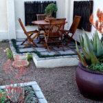 """12 คำแนะนำในการ """"จัดสวนรอบบ้าน"""" ให้กลายเป็นพื้นที่พักผ่อนที่สมบูรณ์แบบ"""