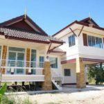 บ้านยกพื้นสไตล์ไทยประยุกต์ เน้นความโปร่งโล่งพร้อมโทนสีสบายตา งบประมาณ 2.3 ล้านบาท (ก่อสร้างที่จังหวัดนครพนม)