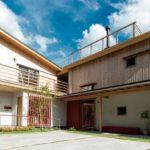 บ้านโมเดิร์นญี่ปุ่นทรงตัวแอล ผสมผสานความดั้งเดิมภายใต้รูปทรงทันสมัยในบรรยากาศที่อ่อนโยนและเรียบง่าย