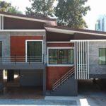 แบบบ้านชั้นครึ่งสไตล์โมเดิร์น โครงสร้างยกสูง หลังคาเพิงหมาแหงนเล่นระดับ 3 ห้องนอน 2 ห้องน้ำ พร้อมที่จอดรถในร่ม