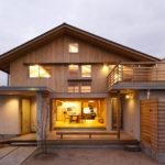 บ้านไม้สองชั้นบรรยากาศอบอุ่น ผสมผสานสไตล์มินิมอลเข้ากับไลฟ์สไตล์แบบญี่ปุ่น