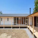 บ้านญี่ปุ่นมินิมอลรูปตัวแอล มาพร้อมระบบประหยัดพลังงานไฟฟ้า เอ็นจอยไปกับธรรมชาติและฟังก์ชันครบครัน