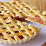 ชวนทำ 'พายแอปเปิ้ล' สูตรทำง่าย หน้าตาน่าทาน แถมรสชาติอร่อย เมนูของหวานทานได้ทั้งครอบครัว