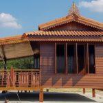 บ้านไม้ยกพื้นทรงไทยประยุกต์ สะท้อนเอกลักษณ์แบบไทยดั้งเดิม สวยงามน่ามองทุกมุม