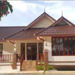 บ้านยกพื้นทรงไทยประยุกต์ชั้นเดียว สร้างพื้นที่น่าอยู่ให้กับครอบครันแสนอบอุ่น ในงบ 1.2 ล้านบาท