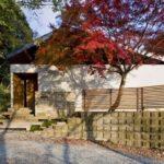 บ้านหน้าจั่วสไตล์โมเดิร์นญี่ปุ่น อบอุ่นเรียบง่าย ภายใต้กลิ่นอายธรรมชาติแสนสงบ
