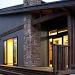 บ้านไม้สองชั้น สไตล์โมเดิร์นรัสติค โครงสร้างสวยเด่น ตกแต่งภายในให้กลิ่นอายแบบบ้านญี่ปุ่นดั้งเดิม