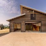 บ้านไม้รัสติคดีไซน์ทันสมัย ก่อสร้างท่ามกลางธรรมชาติ พื้นที่ใช้ชีวิตส่วนตัว ให้กลิ่นอายแบบบ้านชนบท