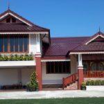 แบบบ้านทรงไทยประยุกต์ ตกแต่งด้วยโทนสีครีม 3 ห้องนอน 2 ห้องน้ำ พร้อมระเบียงและใต้ถุนบ้าน