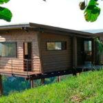 บ้านตากอากาศสไตล์โมเดิร์น ตกแต่งด้วยวัสดุไม้สวยงามคลาสสิค กลมกลืนไปกับสภาพแวดล้อมธรรมชาติ