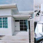 บ้านชั้นเดียวสไตล์โมเดิร์น ออกแบบเรียบง่ายในโทนสีขาว พร้อมกำแพงปูนเปลือยโชว์แนว