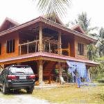 บ้านไม้ทรงไทยประยุกต์ งดงามอ่อนช้อยตามแบบฉบับไทยเดิม ผสานการออกแบบและใช้วัสดุสมัยใหม่