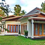 บ้านสวนสไตล์ร่วมสมัย เน้นความเรียบง่าย โปร่งสบาย มาพร้อมพื้นที่พักผ่อนแวดล้อมด้วยธรรมชาติ