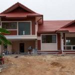 บ้านทรงไทยประยุกต์ชั้นครึ่ง ตกแต่งสวยงามทั้งภายนอกและภายใน มากไปด้วยพื้นที่ใช้สอยกว้างขวาง